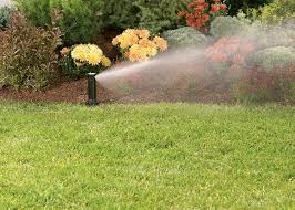 Orbit 4 Inch Voyager Gear Drive Lawn Sprinkler in action